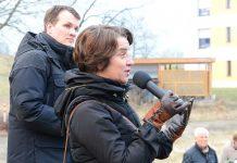 Kuratorin Marion Taube bei der Eröffnung