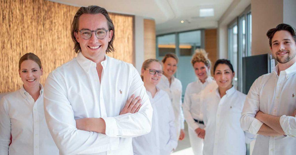 Luca-Schlotmann-Leiter-der-Zahnmedizinischen-Tagesklinik-Dr.-Schlotmann-in-Dorsten