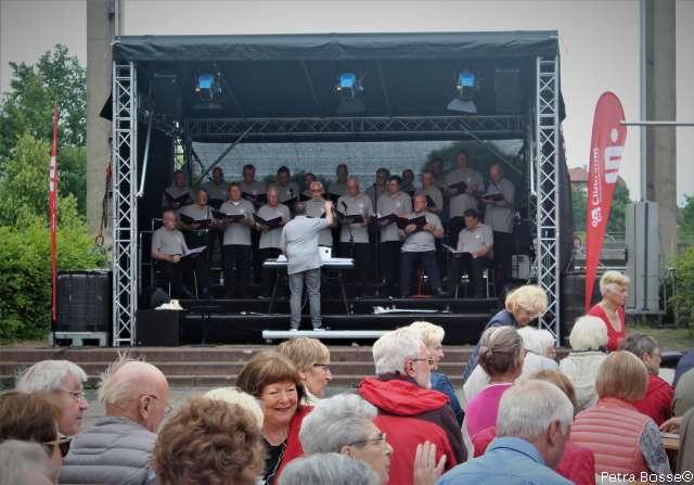 Musikalische Vielfalt und Lieder zum Mitsingegen