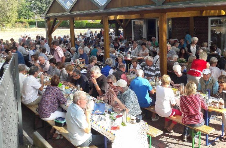 Erstes Sommerfrühstück in Wulfen