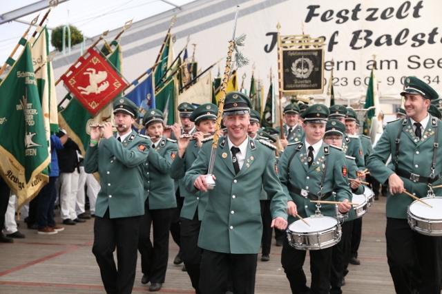 Spielmannszug Holsterhausen Dorf feiert