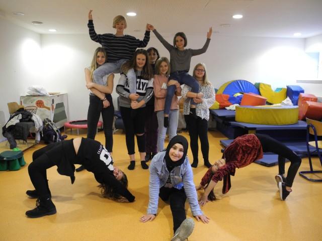 Schüler der Gesamtschule Wulfen lernen, wie man auf hohem Niveau tanzt.