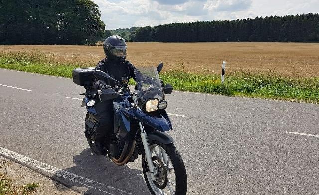 Dieses Bild hat ein leeres Alt-Attribut. Der Dateiname ist Denise-on-tour-biker-Treff-im-kreis-Recklinghausen-640x392.jpg