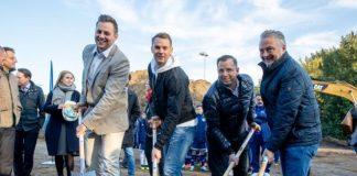 Manuel Neuer und Rainer Thieken beim Spatenstich in Bottrop
