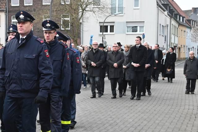 BeerdigungTraueraktSchwester Johanna Eichmann