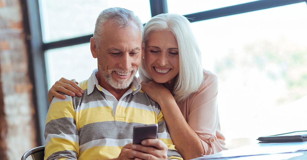 Umfrage: Ältere nutzen Smartphones für Kontakt zur Familie