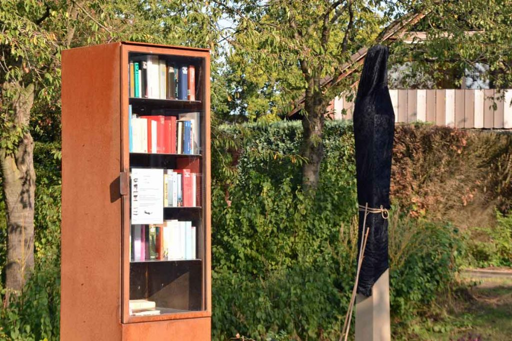 Bücherschrank-Rossiniplatz