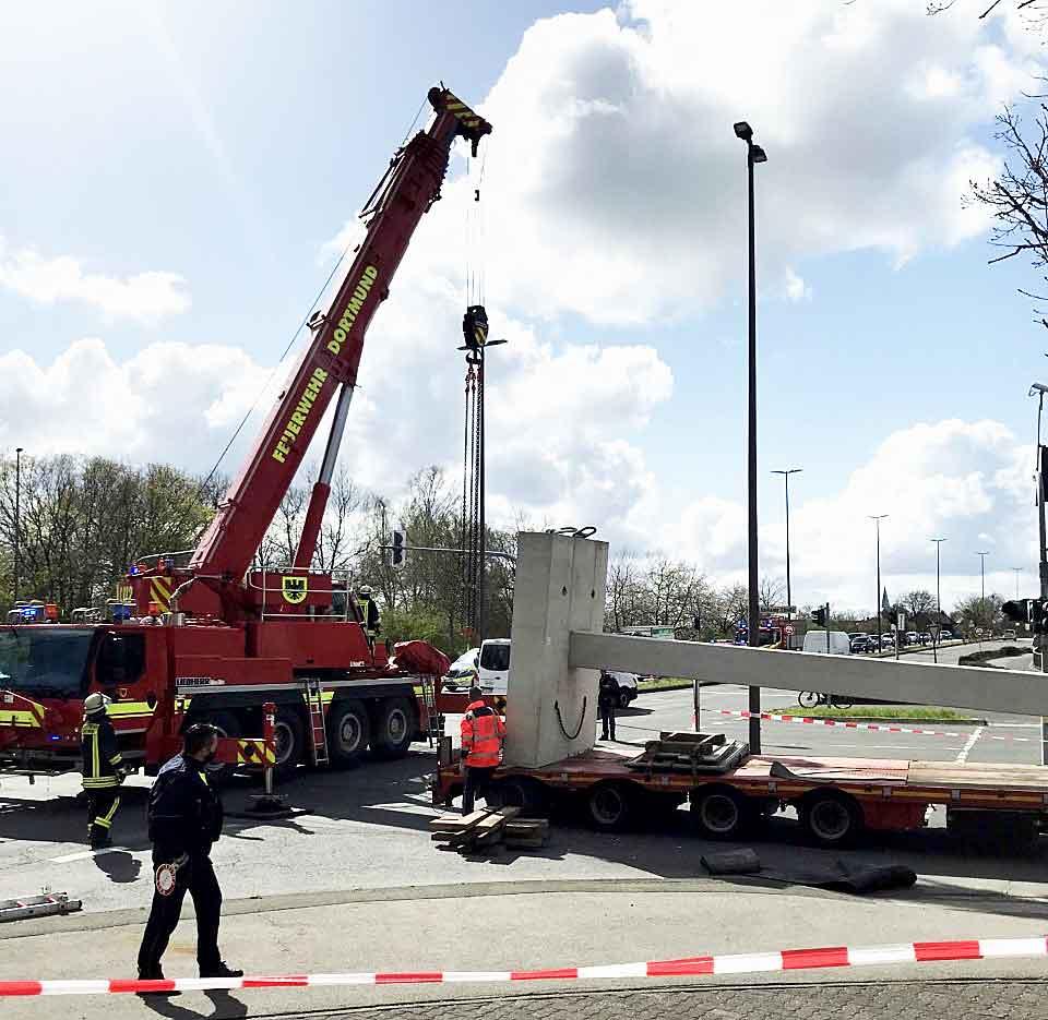 Unfall-Gemeindedreieck-Dorsten-Schwertransporter