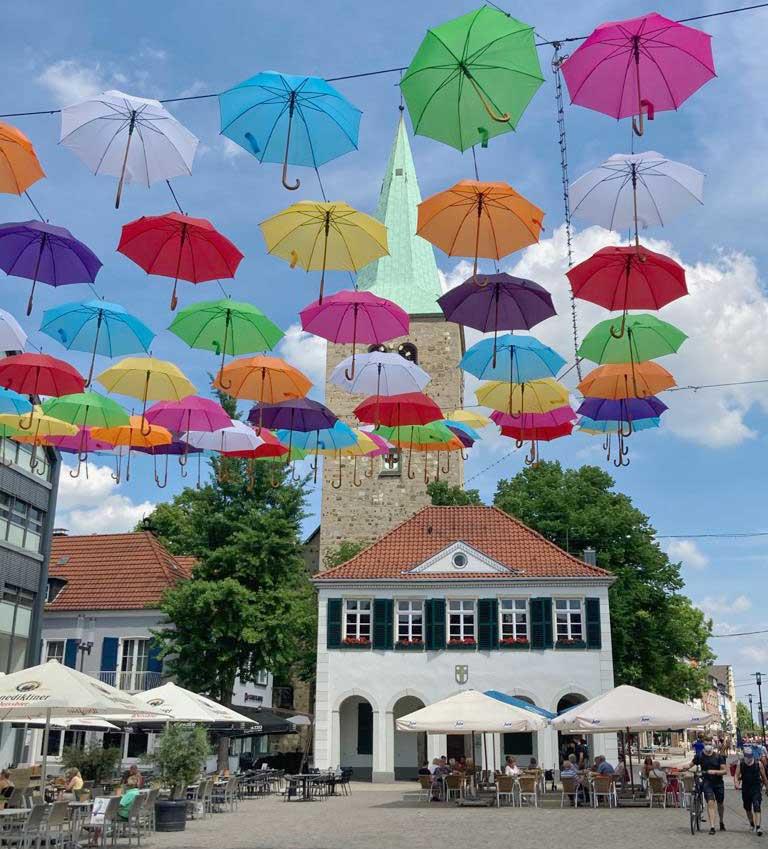 Dorsten-Marktplatz-Regenschirmaktion