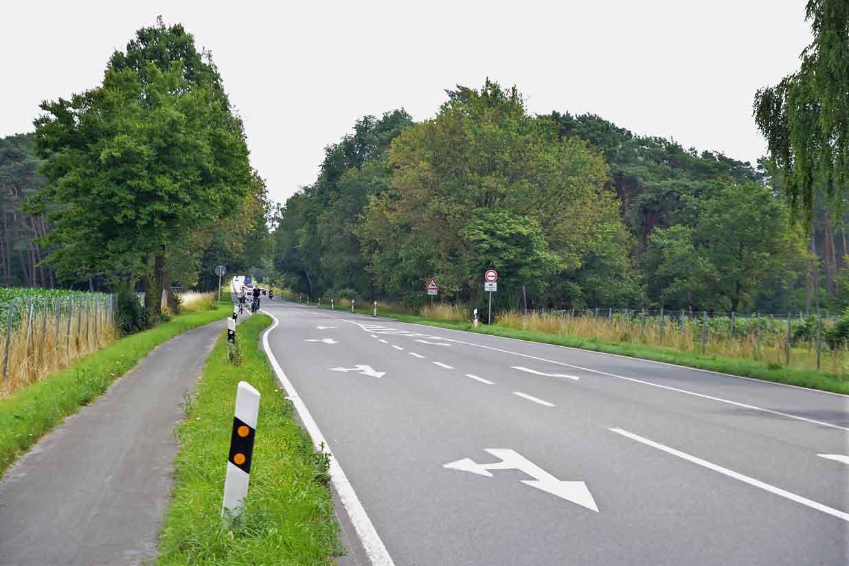 Fahrradweg-B224