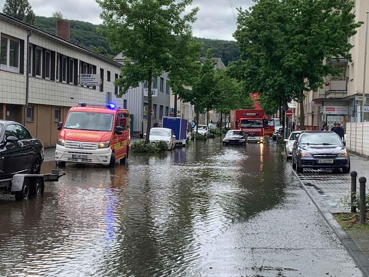 Unwetter-Einsatz-in-Wuppertal-Feuerwehr