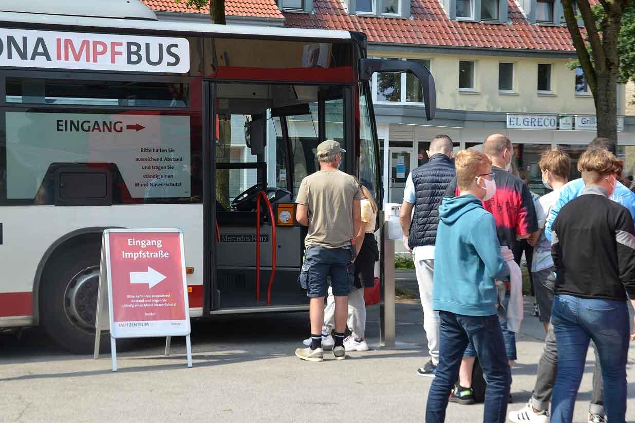 Mobiler-Impfbus-Dorsten-Holsterhausen