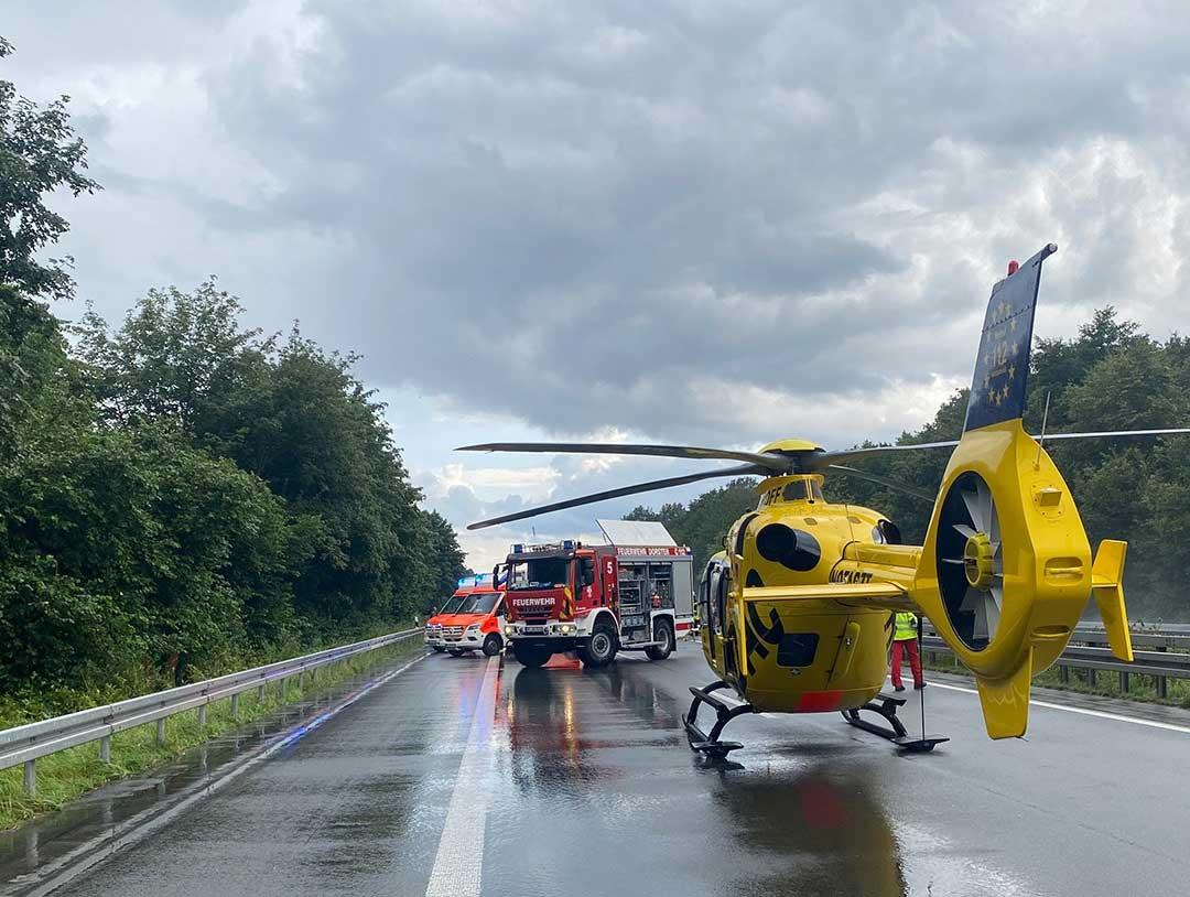 Zwei Unfälle auf der Autobahn 31 zwischen Schermbeck und Dorsten Lembeck, Fahrtrichtung Emden, mit insgesamt 17 verletzten Personen